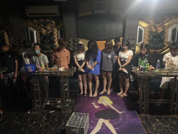 Xử lý quán karaoke vi phạm công tác chống dịch -0