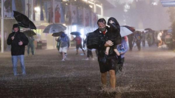Ida's record rain floods New York-area homes, subways; at least 44 dead -0