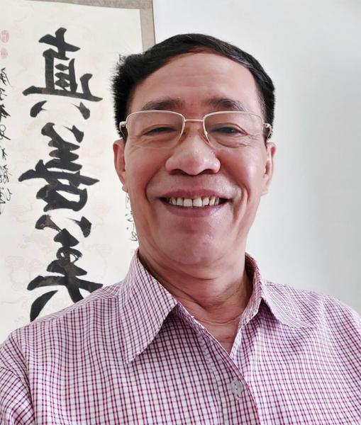 Nhà văn Nguyễn Vũ Điền người viết sử kể chuyện -0