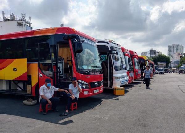 Vietnam to reopen interprovincial bus services  -0