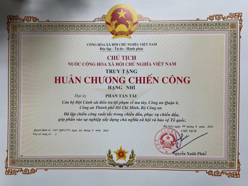 Chủ tịch nước truy tặng Huân chương Chiến công hạng Nhì cho Đại úy Phan Tấn Tài -0