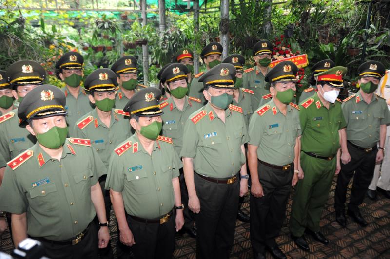 Bộ Công an dâng hương tưởng niệm Đại tướng Võ Nguyên Giáp -0