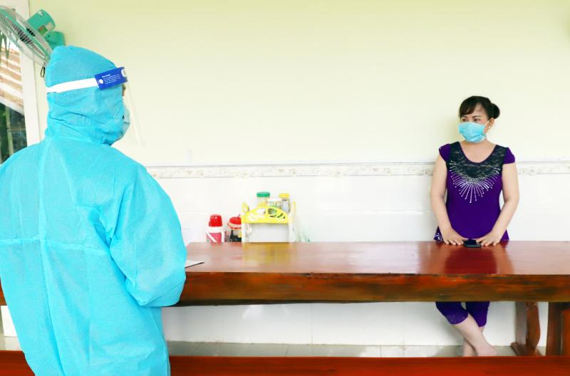 Tạm giam người phụ nữ bán rau khai báo gian dối, làm lây lan dịch bệnh - Báo Công an nhân dân điện tử