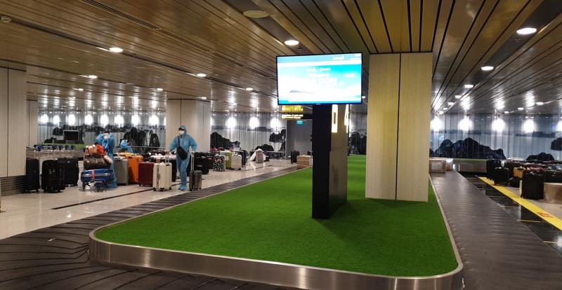 """Sân bay Vân Đồn đón chuyến bay đầu tiên với khách có """"hộ chiếu vaccine"""" -0"""