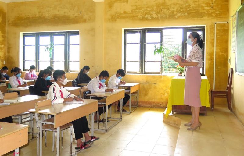 Thừa Thiên Huế cho học sinh đến trường học tập trong điều kiện bình thường mới -0