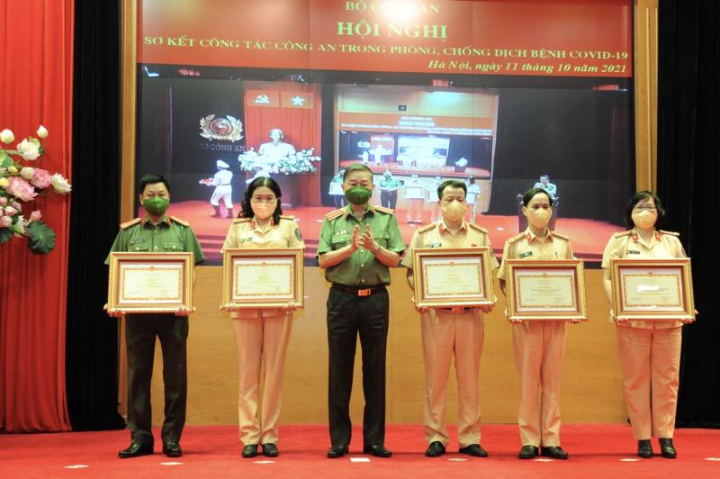 Bộ Công an sơ kết công tác Công an trong phòng, chống dịch bệnh COVID-19 -1