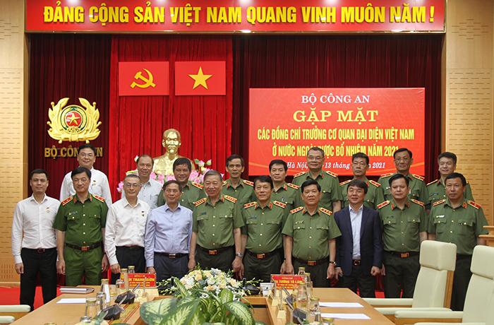 Bộ Công an gặp mặt các đồng chí Trưởng Cơ quan đại diện Việt Nam ở nước ngoài -1
