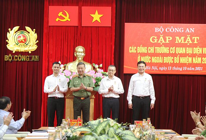 Bộ Công an gặp mặt các đồng chí Trưởng Cơ quan đại diện Việt Nam ở nước ngoài -3